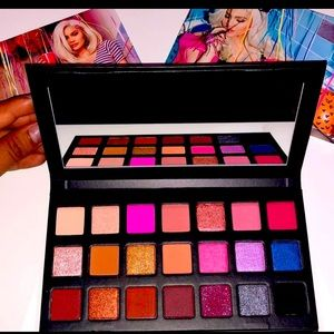 Kylie Jenner Cosmetics Sipping Pretty Palette